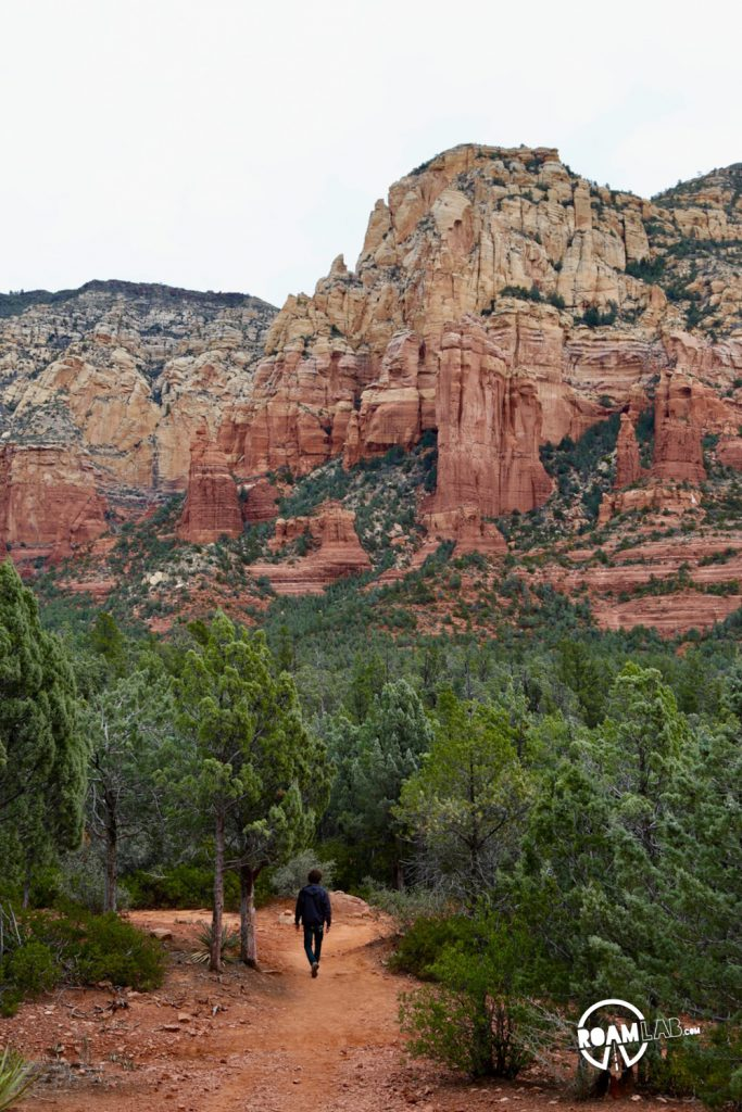 There are so many hikes to choose from around Sedona, AZ but Brins Mesa Trail stands out as accessible, athletic, and awe inspiring with vistas along its entire stretch.